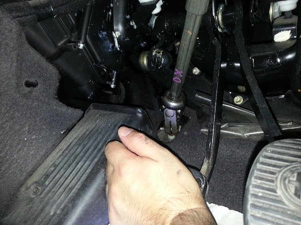 how to fix a squeaky clutch pedal