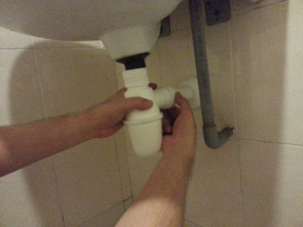 how to replace sink trap