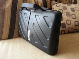thule gauntlet macbook