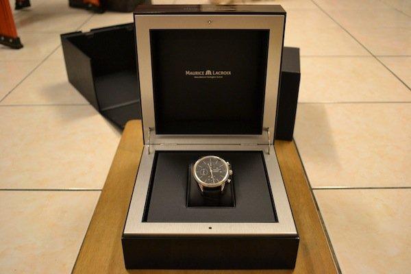 elegant wood veneer watch box
