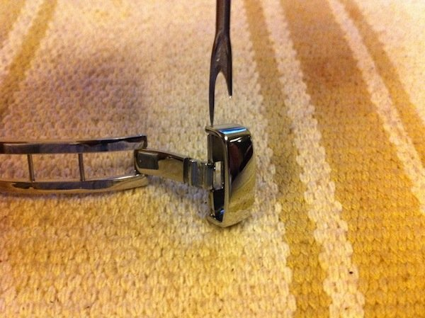 changing pin buckle to deployant buckle